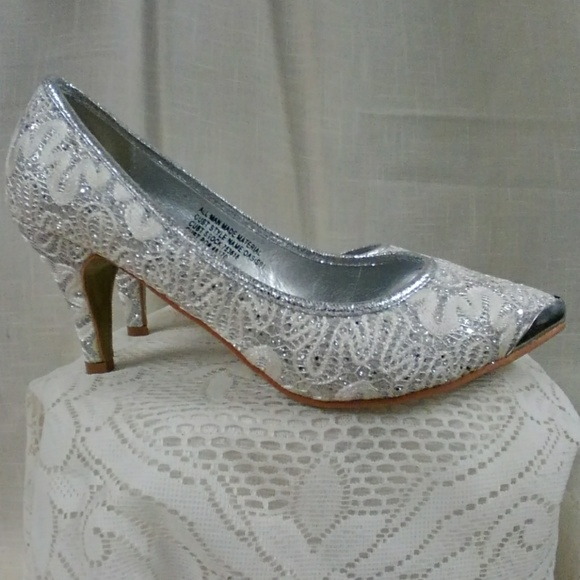 04f31c801fd New Silver Lace Wedding Shoes Pumps